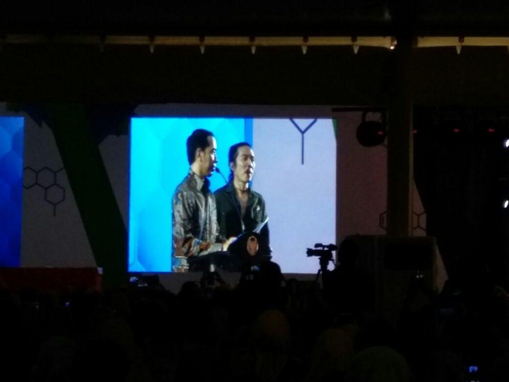 Presiden Jokowi dan Bimbim Slank