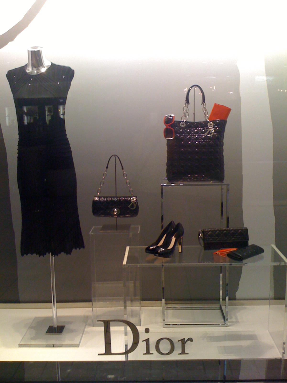 Dior always looks amazing and ladylike!