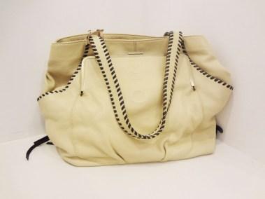 Muxo Leather Handbag in Sand