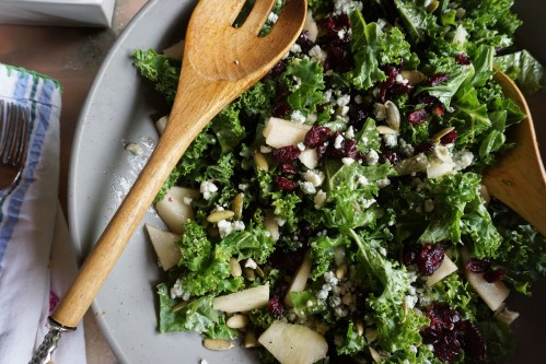 Kale, Pear, Gorgonzola Salad: Fall is in the Air.