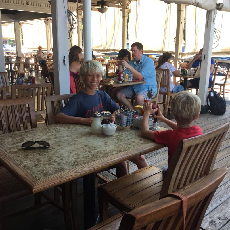kids at breakfast, Pioneer inn