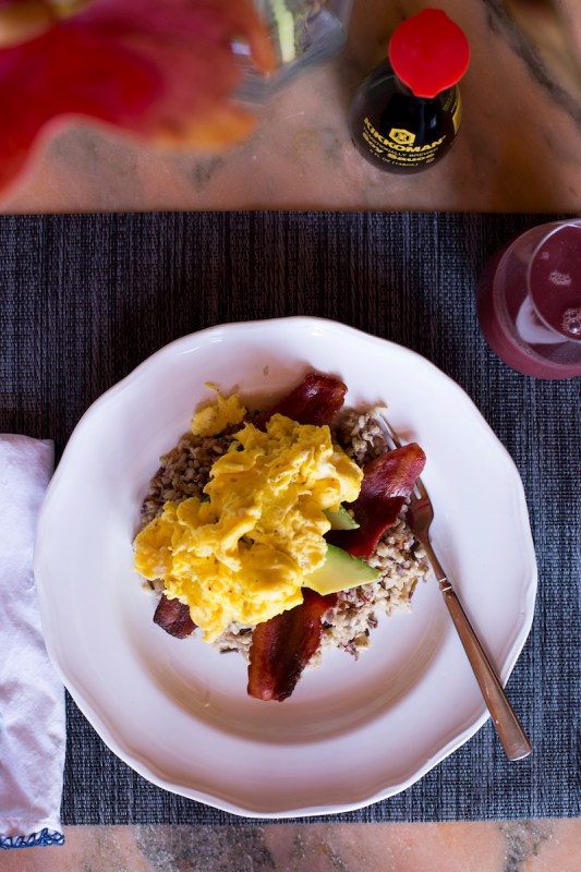 Healthy Loco-Moco scramble