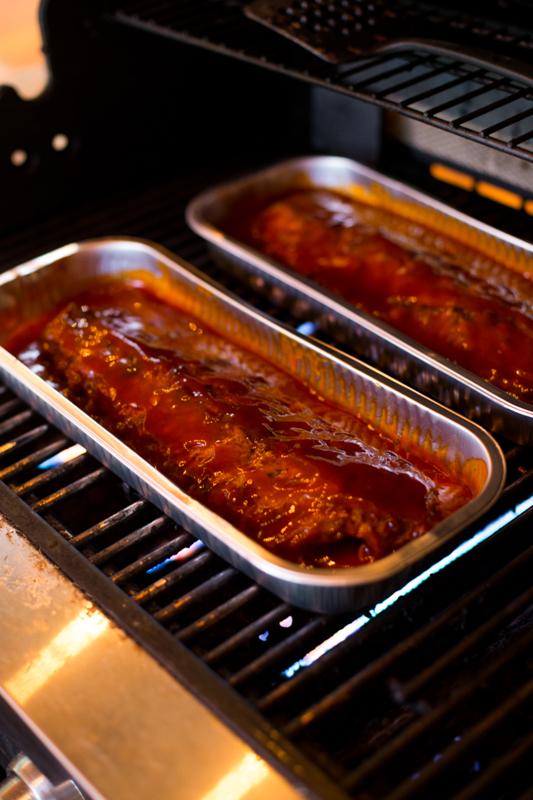 Grilling Tony Romas ribs