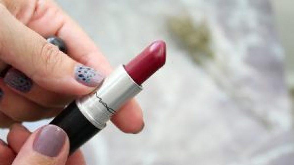 monica-vizuete-labial-M.A.C.Cosmetics-d-for-danger