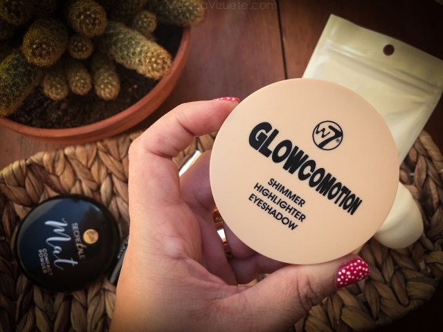 favoritos-maquillaje-low-cost-monica-vizuete-iluminador-w7-glowcomotion