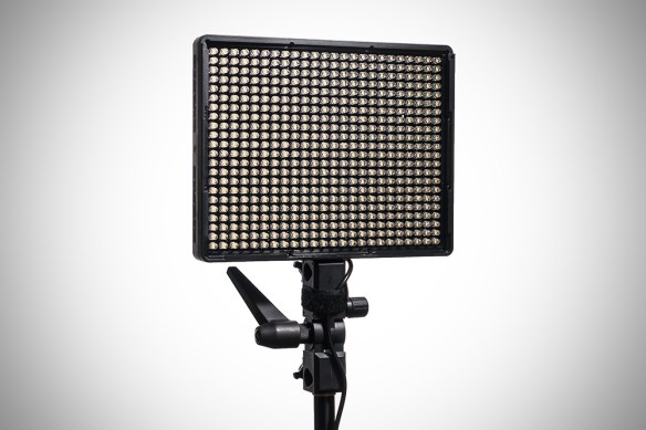 Aputure Amaran AL 528S LED light