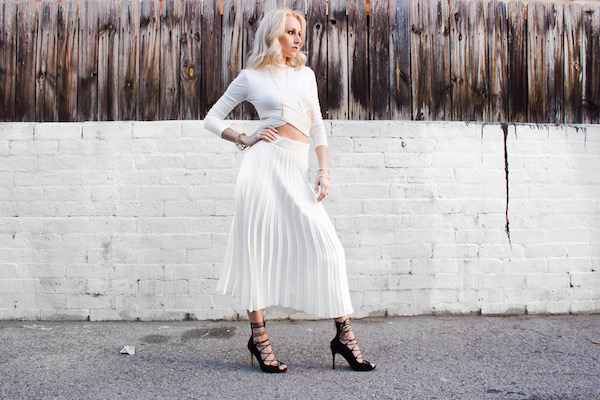 STYLE TIPS FOR PLEATED SKIRTS