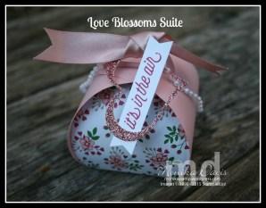 love-blossom-curvy-box E