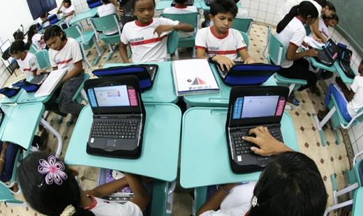 Ciberespaço, educação e a lei 10.639/03