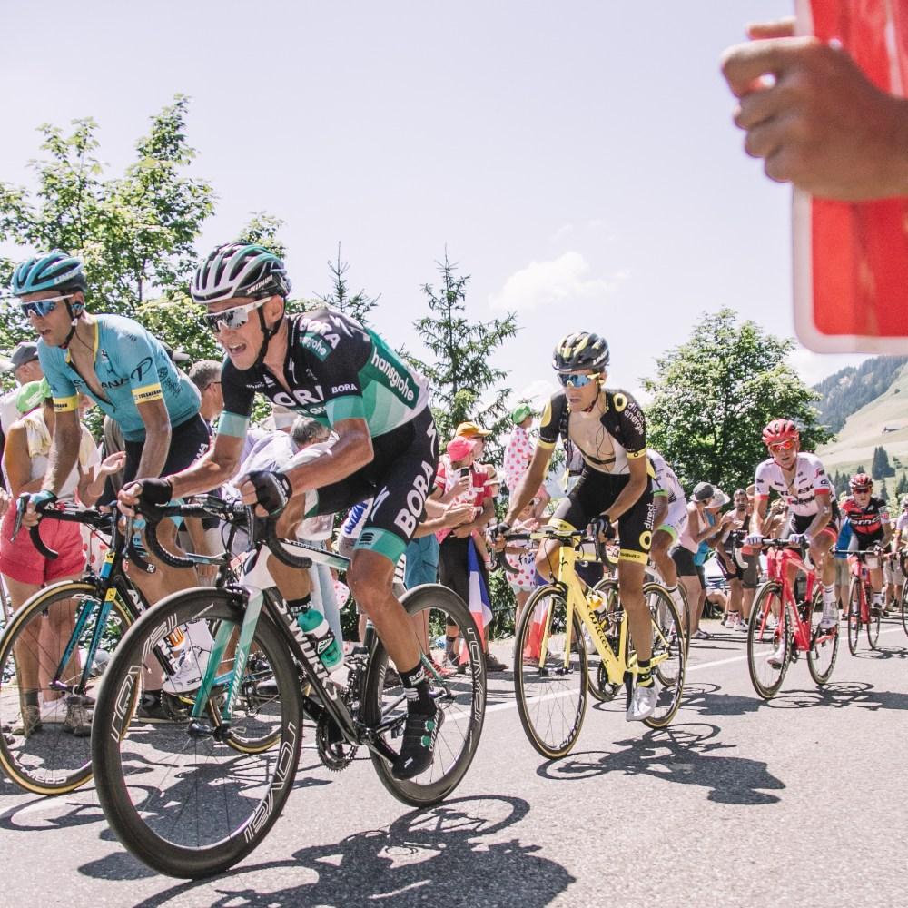 Stage 11 Tour de France Les Saisies Pelaton