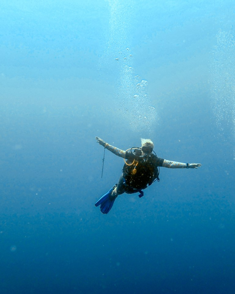 Blue Corner Dive Nusa Lembongan Instructor Blue Sea