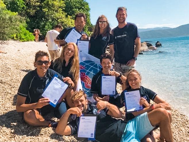 PADI Instructors Divers Den Fitzroy Island Cairns Queensland Australia