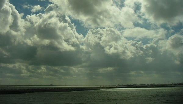 holland-sky