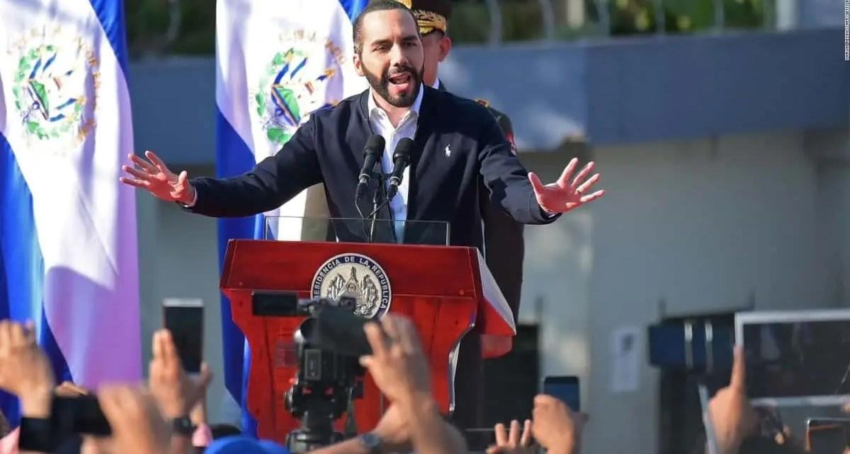 """Piden investigar al presidente salvadoreño por """"encubrir"""" masacre"""