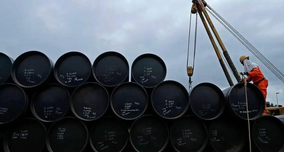 Precios del petróleo caen por apertura de una mayor oferta