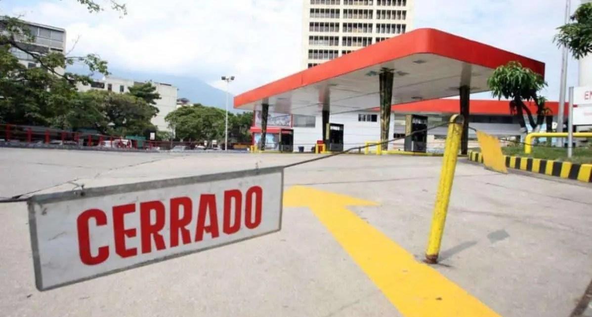 Venezuela env?a m?s del 40% de combustible que produce a Cuba y Petrocaribe y deja a Caracas sin gasolina, ?rea Metrolpolitana de Caracas necesita no menos