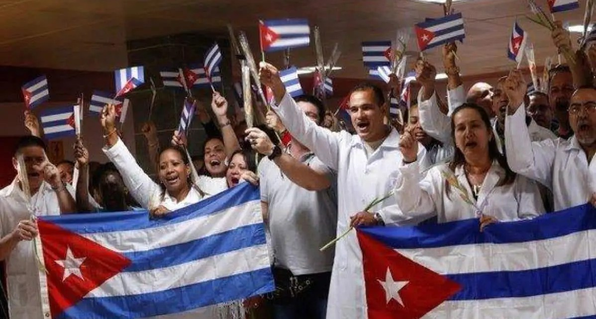 M?dicos cubanos en el mundo por el coronavirus. Un negocio lucrativo, una veintena de pa?ses ser?an los que ya recibieron brigadas de m?dicos que apoyan