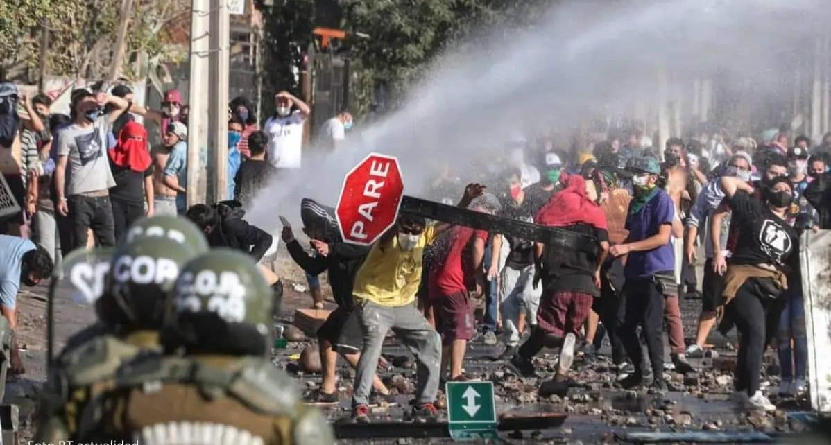 Protestas en Chile mientras se registra record de contagios en un d?a, mientras los contagios en Chile registran un nuevo record con 4895