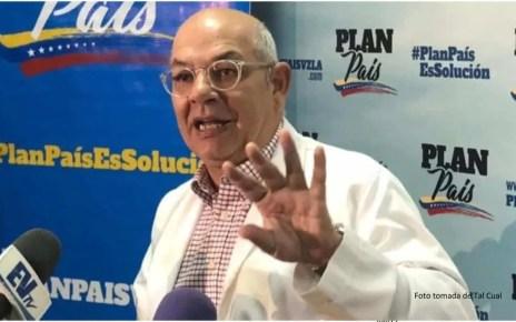 Julio Castro, médico infectólogo