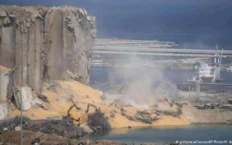 Beirut: Los equipos de rescate encontraron los cad?veres de dos bomberos que cumpl?an sus funciones el d?a de la tragedia.