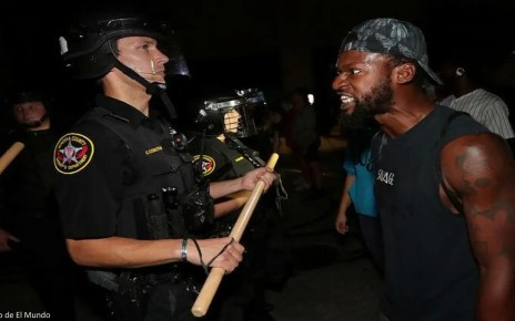 Nuevas protestas raciales en EEUU por violencia policial, En la ciudad Kenosha, Wisconsin un policía disparó contra Jacob Blake