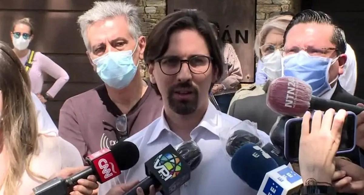Freddy Guevara salió de la embajada de Chile