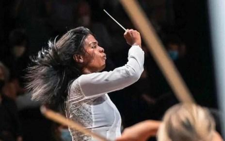 Glass Marcano, la venezolana que en 3 meses logró dirigir una orquesta en París