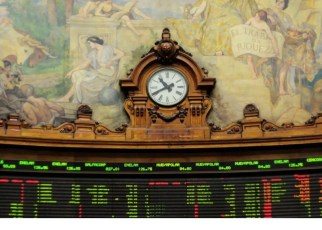 """Bolsa de Chile con """"leve caída"""" ante preocupaciones sobre plebiscito"""