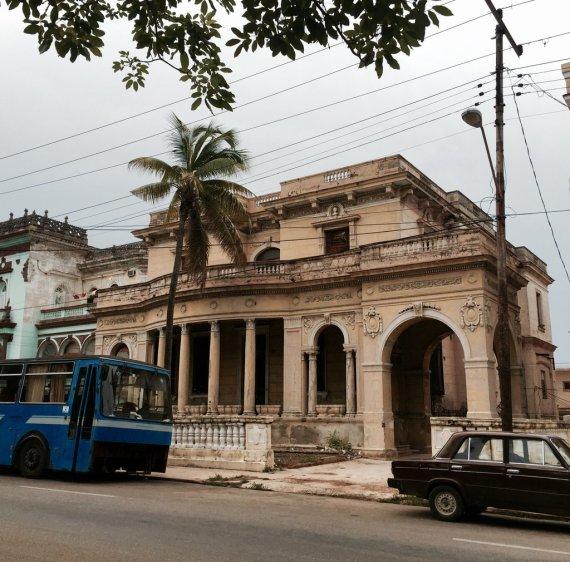 monitoringme-mm-cuba-lahavana-vedado-beautifulhouse-architecture-2016-google-wordpress