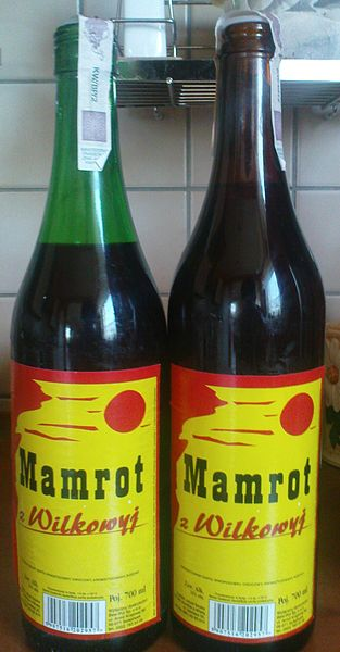 The Mamrots from Wilkowyje (green and red bottle) Foto: Tomem. Źródło: Wikimedia Commons