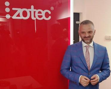 izotec_director