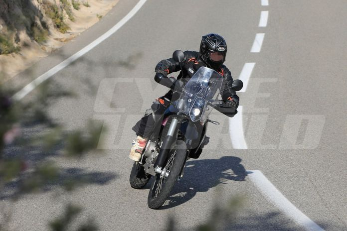 cw1216-ktm-390-adventure-spy-photo-002
