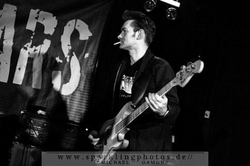 2010-11-26_Dead_Guitars_-_Bild_004x.jpg