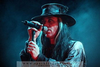 2010-12-27_Fields_Of_The_Nephilim_-_Bild_005x.jpg