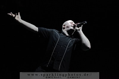 2010-12-30_VNV_Nation_-_Bild_005x.jpg