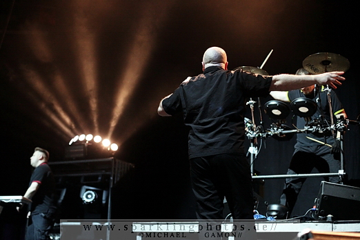 2010-12-30_VNV_Nation_-_Bild_016x.jpg
