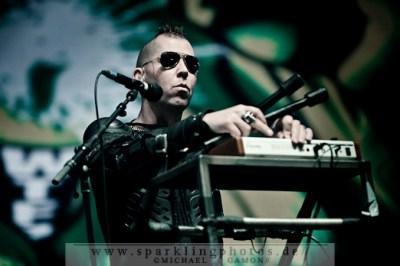 2011-10-30_Sinners_Day_-_KMFDM_-_Bild_002x.jpg