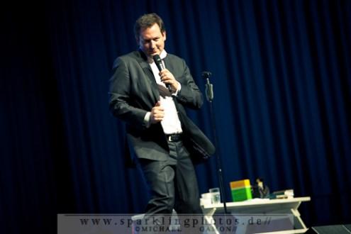 2011-12-13_Dr_Eckart_Von_Hirschhausen_-_Bild_013x.jpg