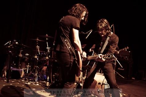 2012-04-07_Dead_Guitars_-_Bild_005x.jpg