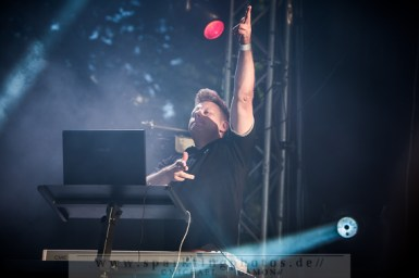 2013-07-21_VNV_Nation_-_Bild_017x.jpg