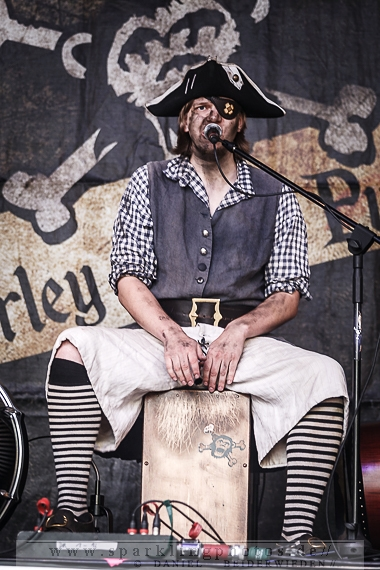 2014-08-15_Mr_Hurley_und_die_Pulveraffen_-_Bild_006.jpg