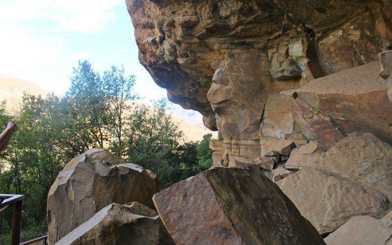 Giants Castle: Main Cave in the Drakensberg, South Africa has over 500 bushmen paintings.