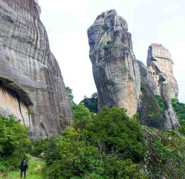hiking tour in meteora greece