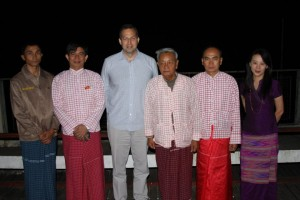 Ambassador Mitchell, his wife, and Mon political parties' leaders (Photo: Facebook)