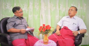 MNA Editor Nai Banyar Aung (left) interviewing NMSP's Chairman Nai Htaw Mon (right), (Photo: MNA)