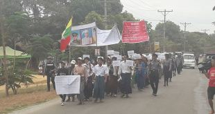 Locals marching in Belin Town (Photo: MNA)