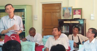 NMSP's spokesperson Nai Win Hla asked community leaders for their opinions on the NCA at a March 22 meeting in Mawlamyine. (Photo: MNA)
