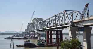 Thanlwin (Chaungzon) Bridge has been embroiled in a naming controversy since the government suggested a moniker in honor of Bogyoke Aung San. (Photo: MNA)