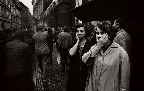 Josef Koudelka – Invasion 68 Prague   MONOVISIONS