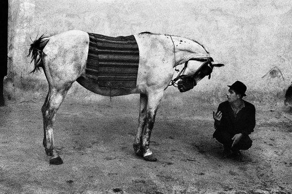 Josef Koudelka: Gypsies   MONOVISIONS